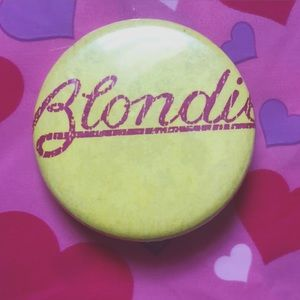 Blondie Pin 💛
